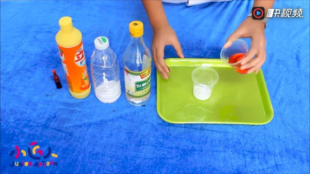 如何diy小学生创意科学小发明试验: 火山爆发也可以用实验演示