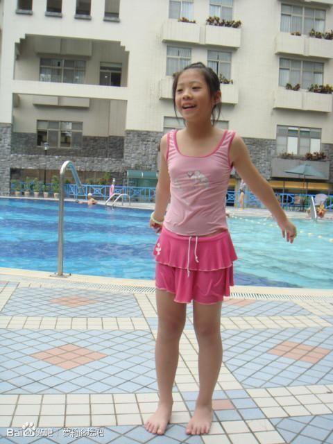 有没有初中生穿小初中的背心,如果有的话请发照片读泰国图片