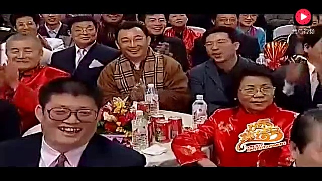 冯巩 郭冬临2002年经典相声,那时的郭冬临还有着黑亮的头发图片