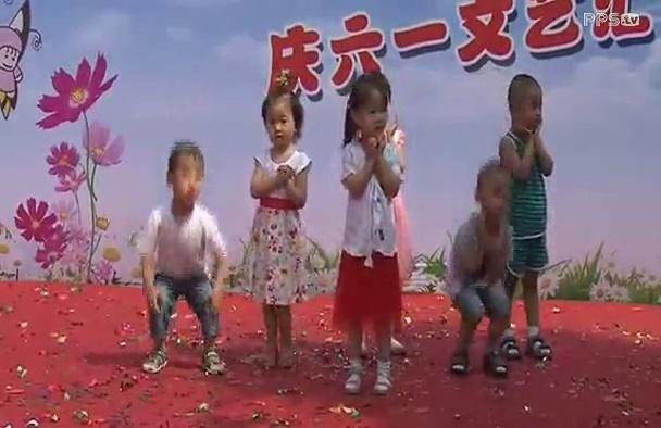 儿童舞蹈《小兔子乖乖》阳光幼儿园小班表演