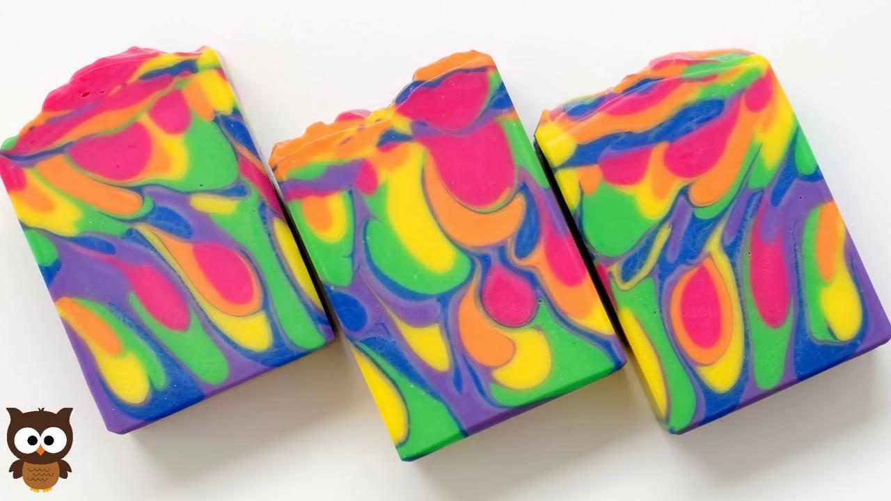 水果沙拉手工皂制作过程实拍