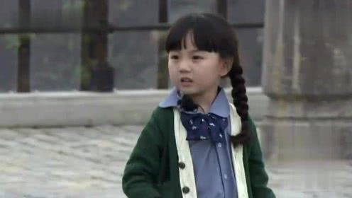 邓伦帅气出场,小山竹看到邓爸爸满脸委屈跑过去要抱抱,太可爱了!