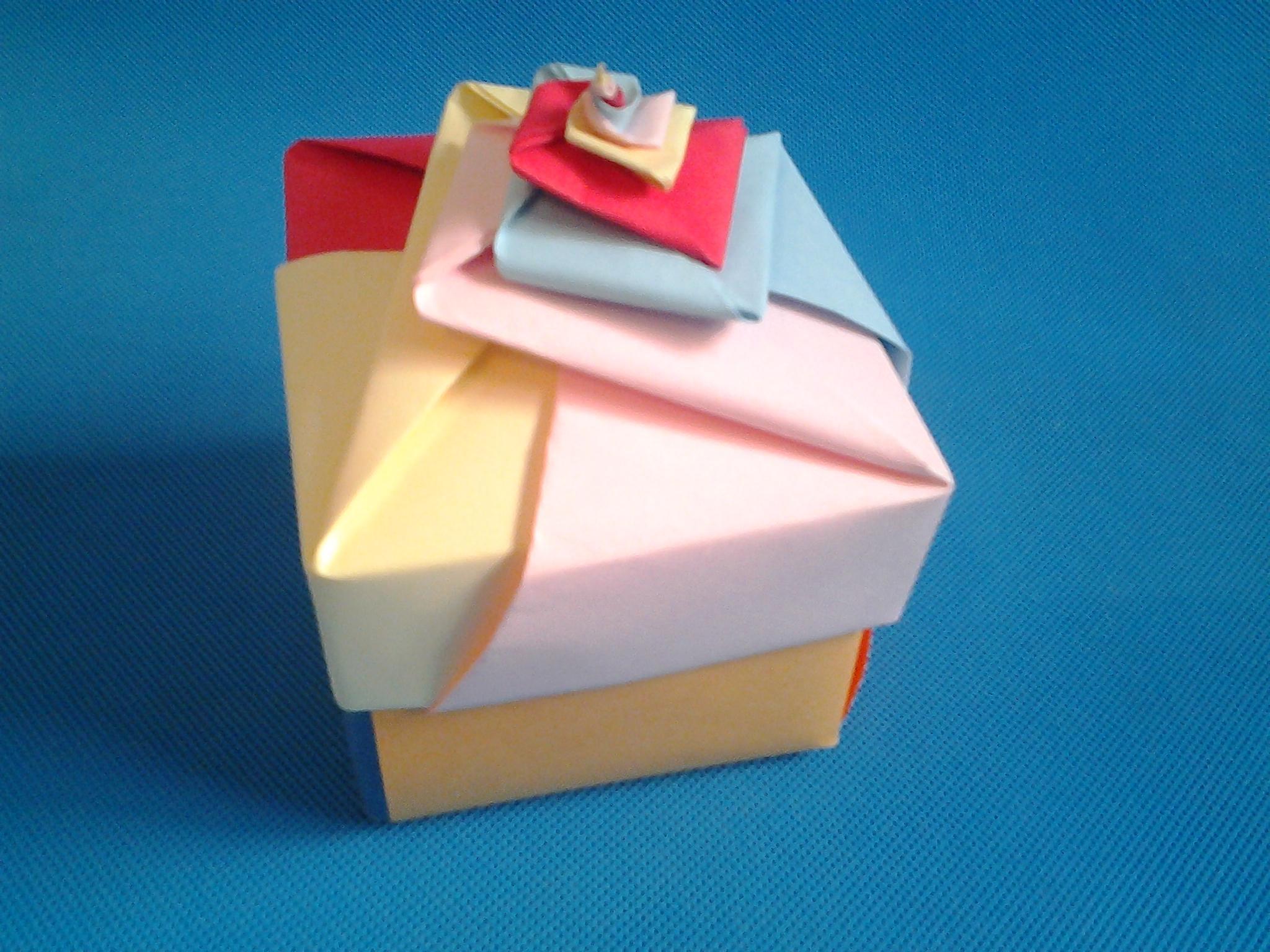 折纸王子教你折纸礼盒 圣诞节平安果包装礼盒折纸-折纸大全-折纸.