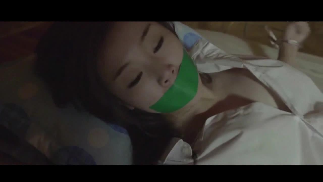 美女被强奸时的视频戏剧片_韩国电影《监禁时间》女人被男人囚禁享用 激情戏未删减
