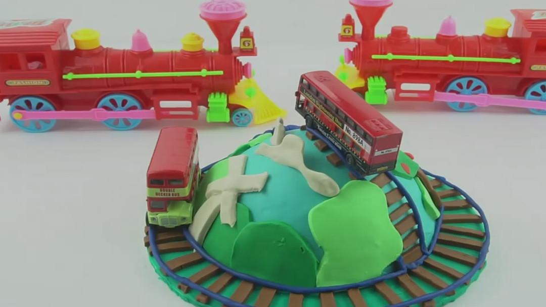 橡皮泥手工托马斯火车蛋糕,婴幼儿宝宝学英语,儿童玩具视频