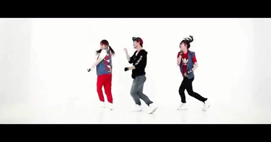 幼儿园小班圣诞节舞蹈 可爱颂幼儿舞蹈视频