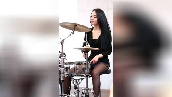 1080高清,韩国美女雅妍(a-yeon)架子鼓表演