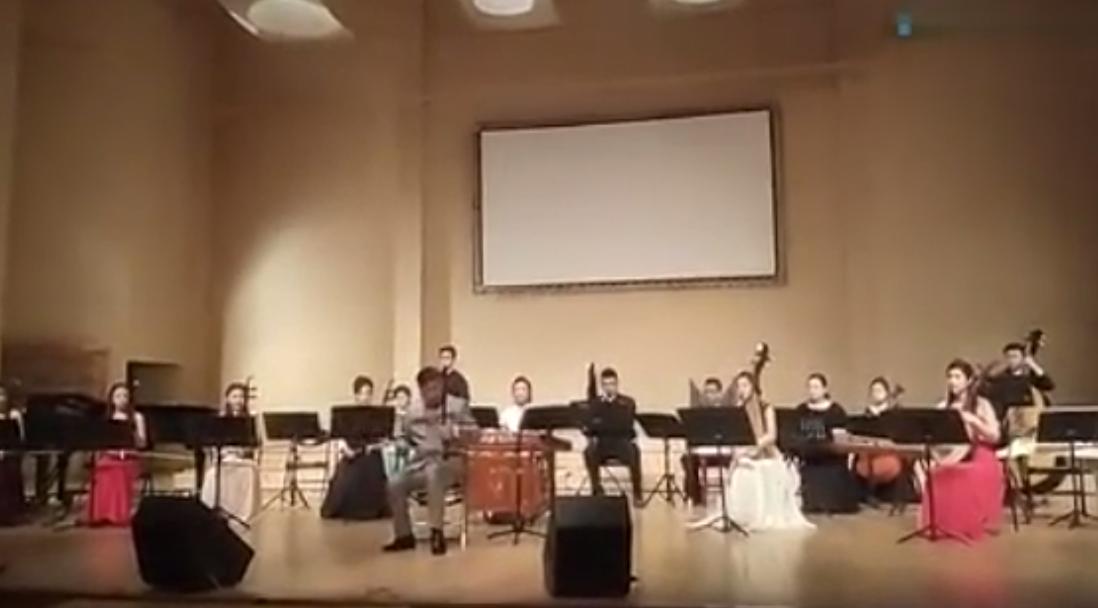 视频:中央民族乐团刘湘板胡独奏《地道战组曲》图片