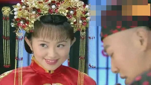 视频:《新还珠格格》皇上见证办婚礼,柳青金锁结良缘