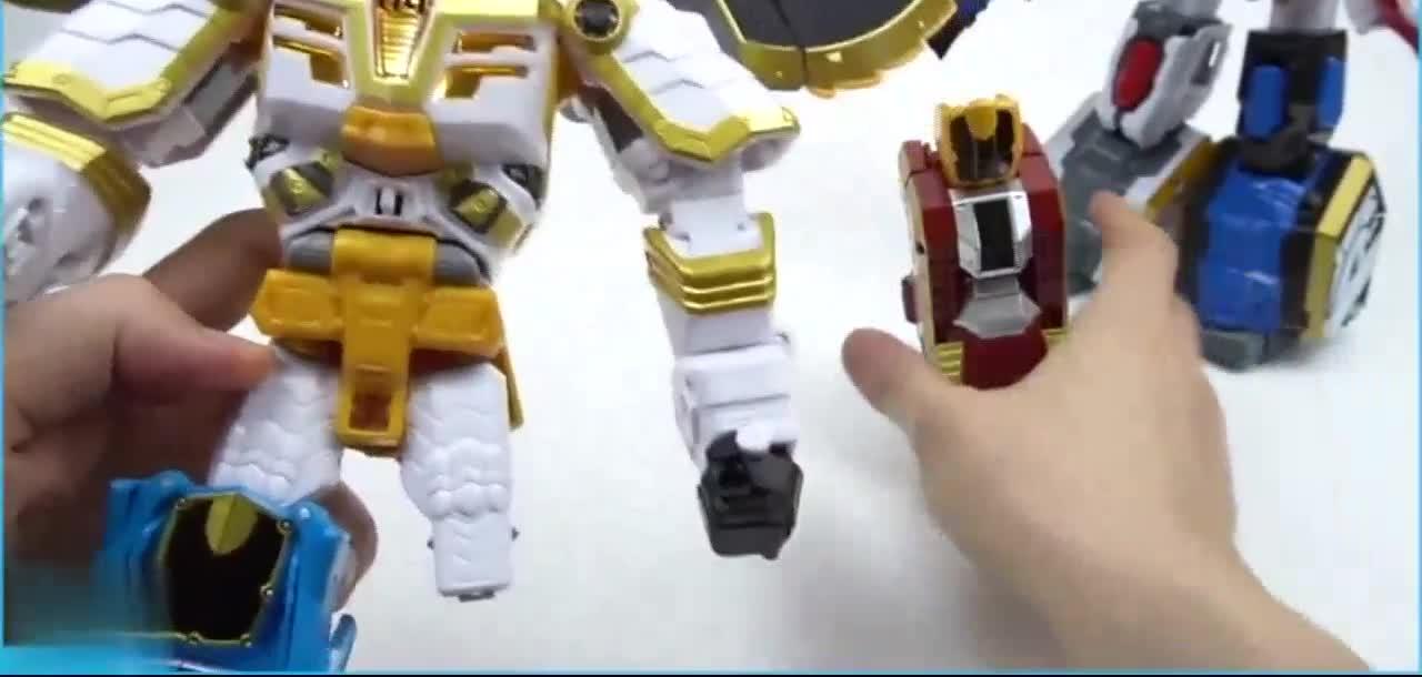 动物变形金刚对决组合机器人三国英雄玩具