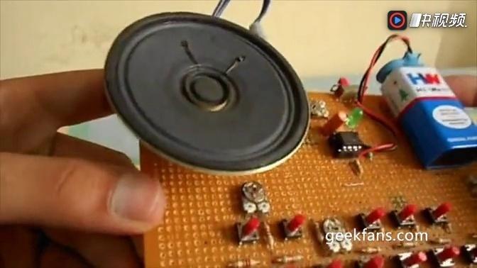 555定时器自制的迷你电子琴
