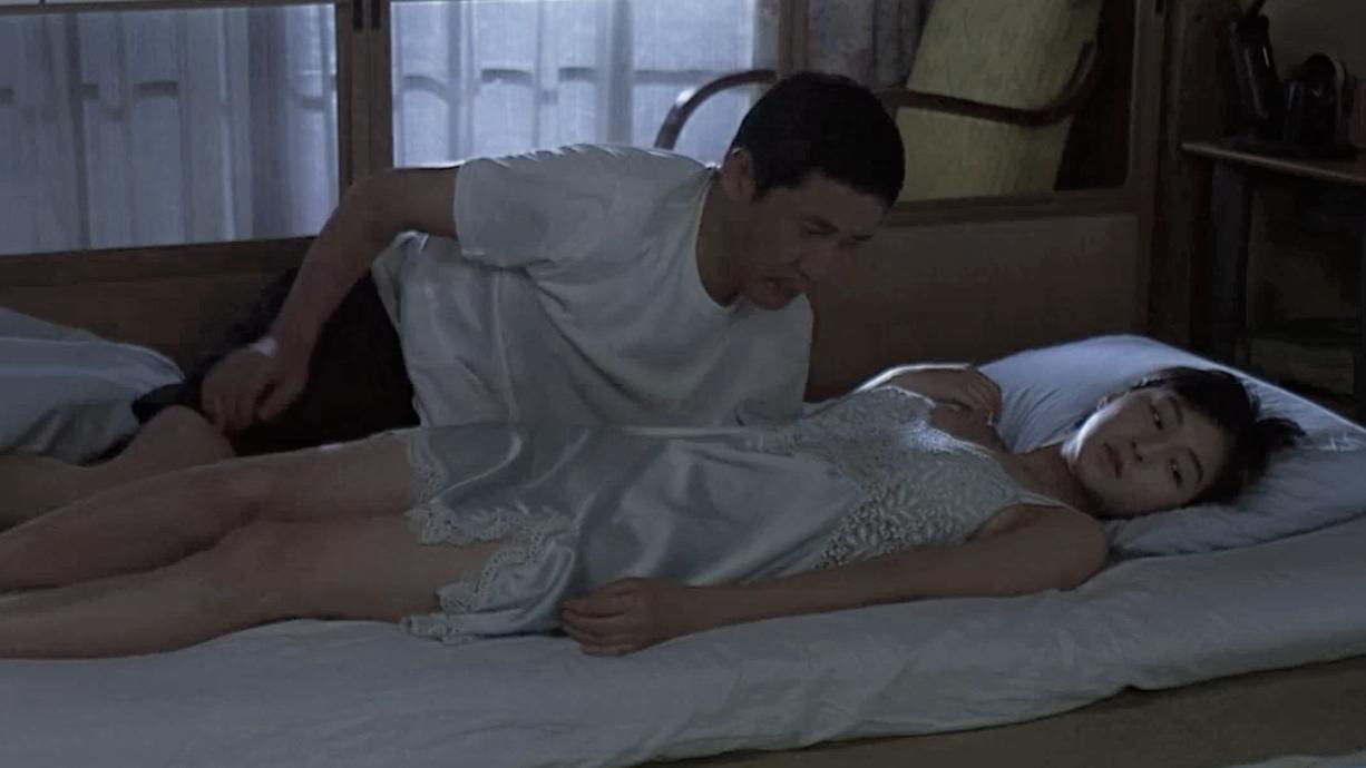 3分钟看完日本伦理电影《秘密》父亲对待女儿的方式很特别