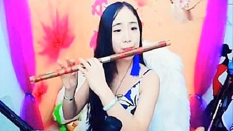 美女主播笛子演奏《年轮》,好听醉了