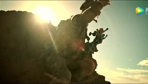 《红海行动》黄景瑜演绎精准狙击手 沙丘对战胆颤心惊