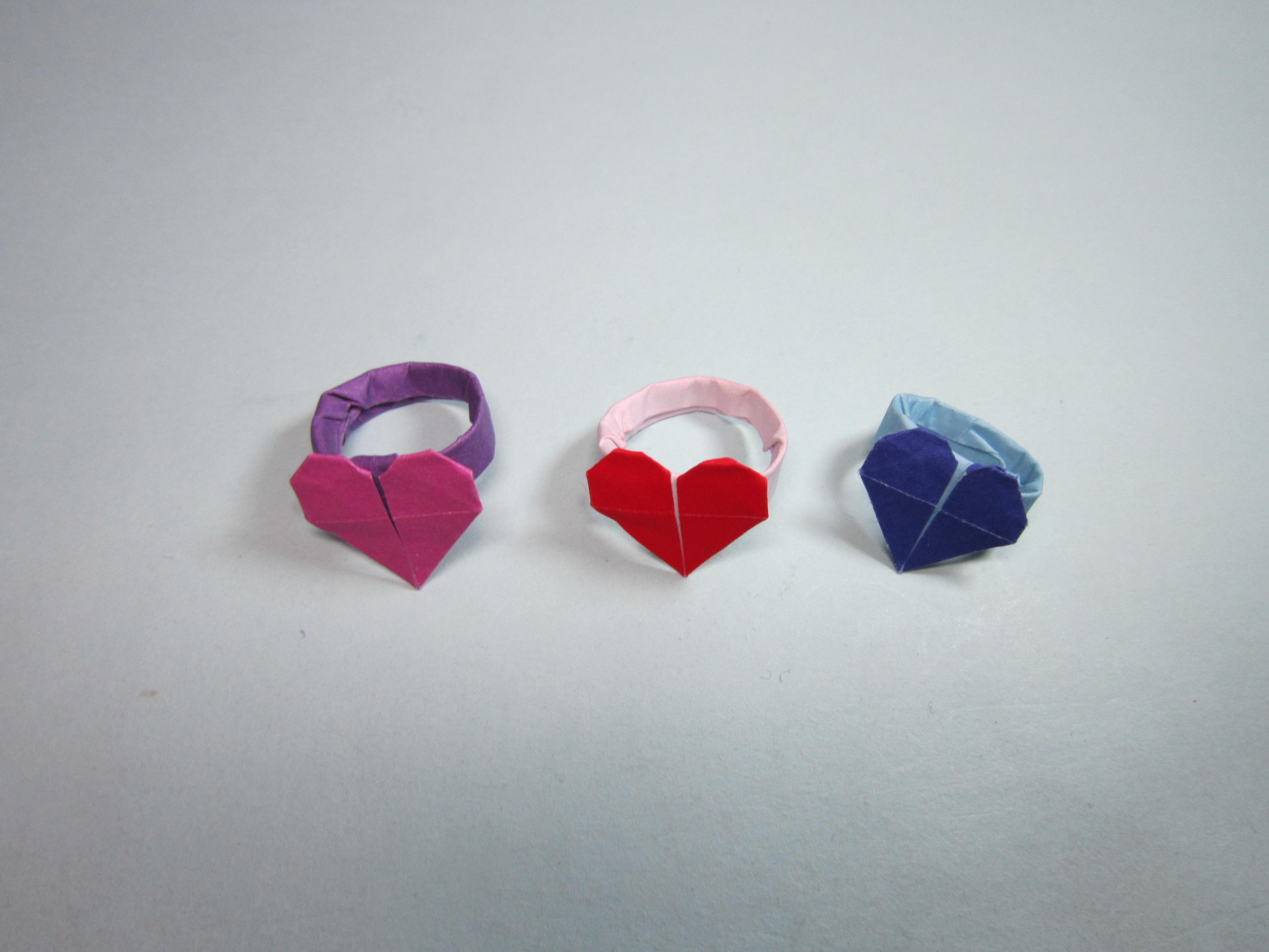 简单的手工折纸爱心戒指,用四分之一张纸就能折出漂亮的心形戒指-.