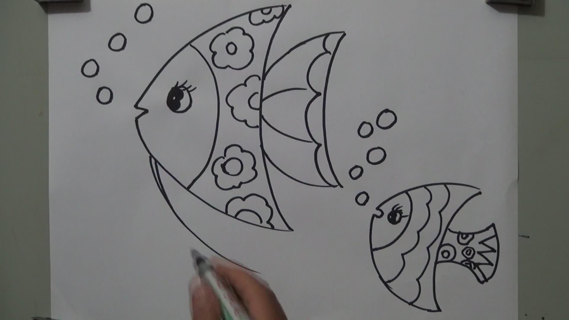 月亮姐姐简笔画鱼的画法