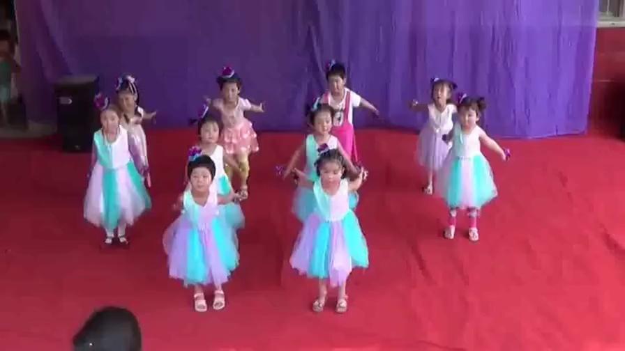 雪宝宝舞蹈视频 年六一小班舞蹈