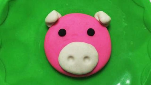 玩具视频 橡皮泥手工制作粉红小猪妹 亲子游戏