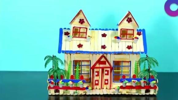 冰棒棍子制作的手工房子,外观漂亮,看着就能感觉家的温暖