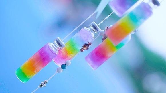 用羊毛毡做彩虹瓶,手工制作七彩风铃,夏日居家必备挂饰