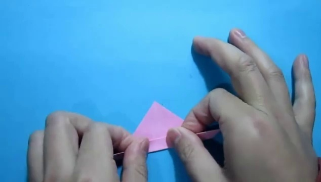视频-简单的手工折纸小动物:竖耳朵兔子