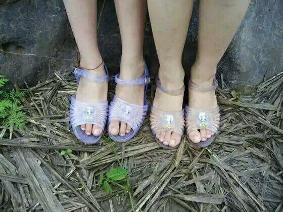 小女中社会穿的这种图片是硬塑料做的?它要凉鞋摇视频教学视频教学女生生图片