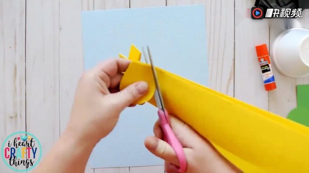 幼儿手工折纸 ,简单制作一张向日葵卡片