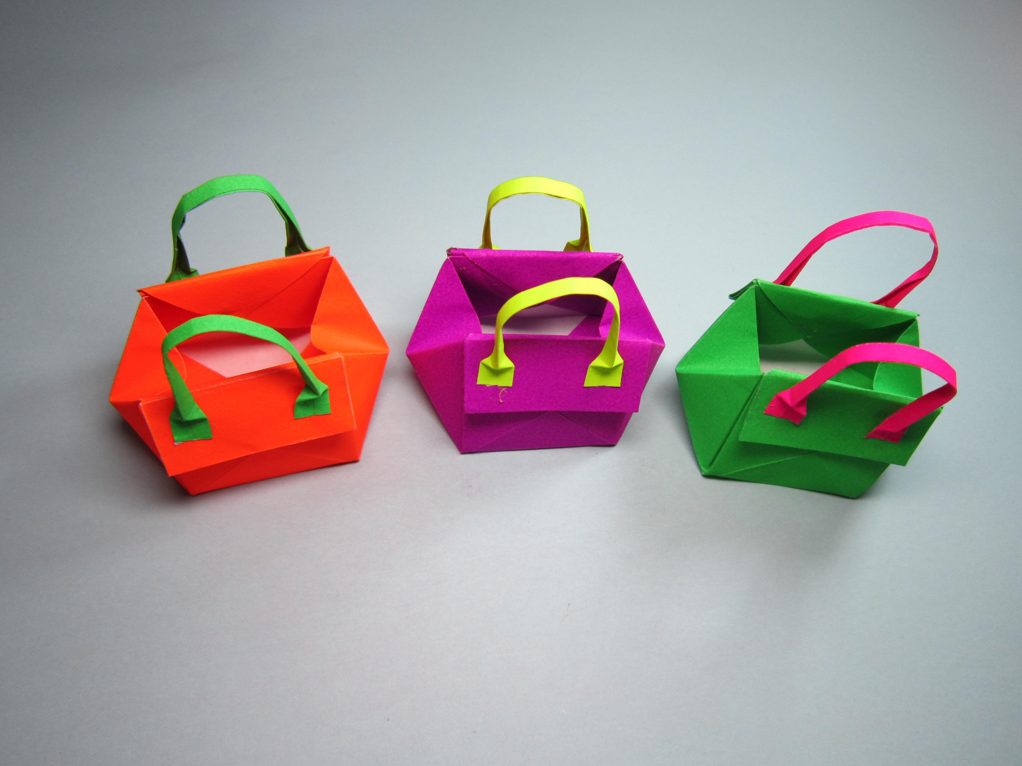 儿童手工折纸教程:简单又漂亮的时尚手提包包折法