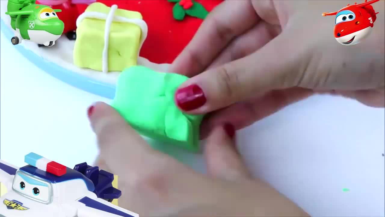 佩佩猪乔治用彩泥制作圣诞树圣诞礼物5642 - 副本