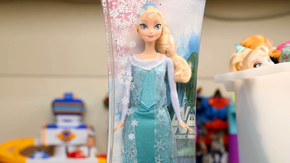 冰雪奇缘 闪耀爱莎 芭比娃娃 爱莎公主 换睡衣装