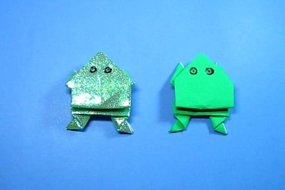 视频:纸艺手工折纸青蛙,简单又漂亮的跳跳蛙折法教程