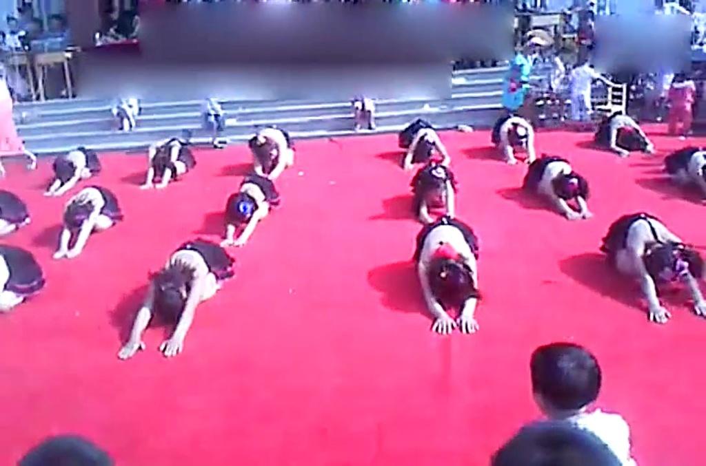 太恒小学四年级六一儿童节舞蹈快乐宝贝