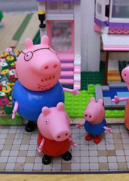 小猪佩奇玩具秀