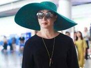 金星现身机场 一身贵妇装扮时尚靓丽 就是有点长胖了