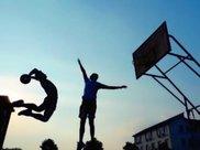 """初中生""""打篮球""""能长高?坚持这3习惯,身高或能""""蹭蹭飙升"""""""