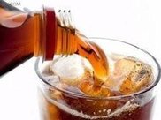 经常喝碳酸饮料,会导致骨质疏松吗?医生:是的,从成分就能看出
