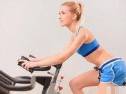 每天坚持做平板支撑,可以减脂吗?可以锻炼腹肌吗?这才是真相