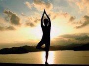 相对传统健身而言,瑜伽更适合女性,这5个动作值得尝试