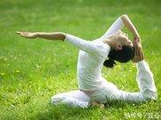 练瑜伽能治颈椎病吗 哪些瑜伽动作能治颈椎病