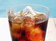 如果你每天喝2升碳酸饮料会发生什么?
