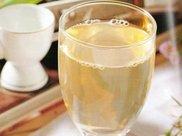 蜂蜜水是早上喝好,还是晚上喝好?其实最合适的是这个时间!