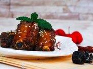 教你用乌梅做糖醋排骨,让你减肥也能吃上肉肉。