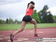 强化屈髋肌:两个弹力带动作推荐