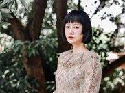 倪虹洁剧外换发型,剪妹妹头甜美减龄