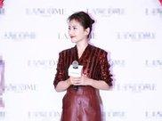 刘涛闪电瘦身!红衬衫红皮裙亮相身材苗条,精修图生图颜值无差