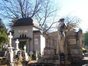 于凤至买下伊丽莎白泰勒的豪宅, 等待张学良归来, 墓志让人流泪