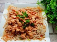 蒸鸡胸金针菇,鲜嫩无比,美味好吃,减肥的朋友都可以放开吃