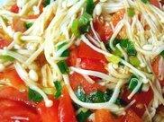番茄和此物一起吃,每天炒一盘,皱纹变浅,瘦身又清肠,越吃越美