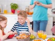这些早餐会伤害孩子身体健康,你还在给孩子吃吗?早知道早准备