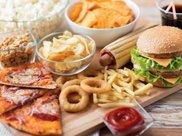 这4类食物少给孩子吃,吃多了会影响宝宝智力,家长们长点心吧!